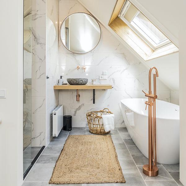 Op-Oost-Suites-Texel-romantisch-bad.jpeg