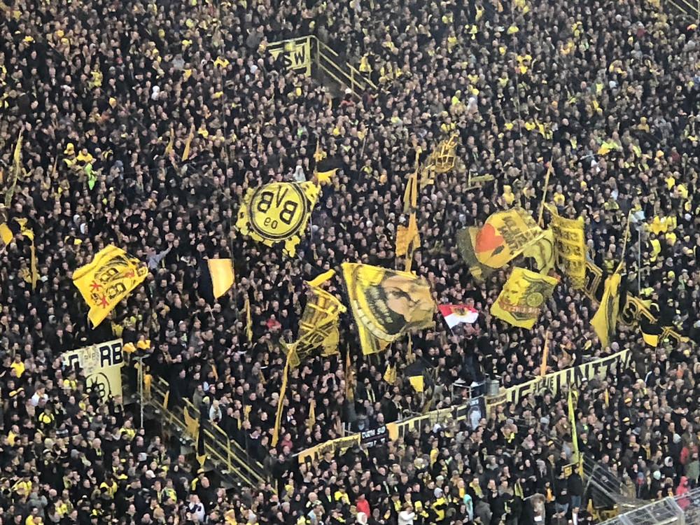 Borussia Dortmund fans before COVID19.