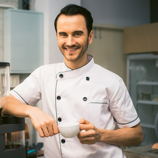 chef-coffee-cup-887827.jpg