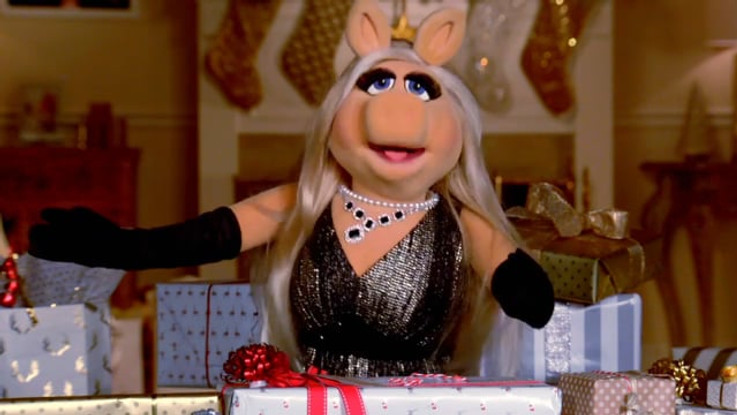 25 DAYS OF CHRISTMAS | FREEFORM / THE MUPPETS STUDIO