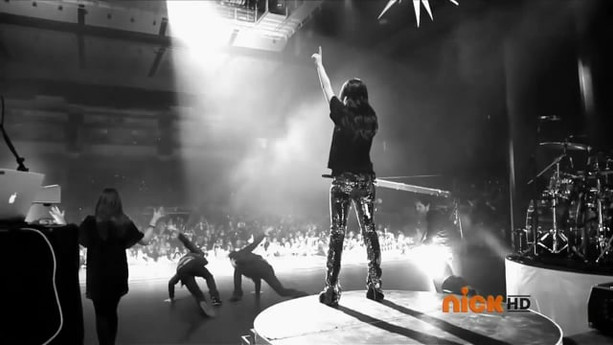 """DANCING CRAZY"" WITH MIRANDA COSGROVE | NICKELODEON"