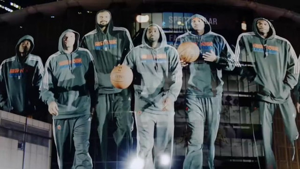 """""""PUT YOUR HANDS UP""""   NEW YORK KNICKS"""