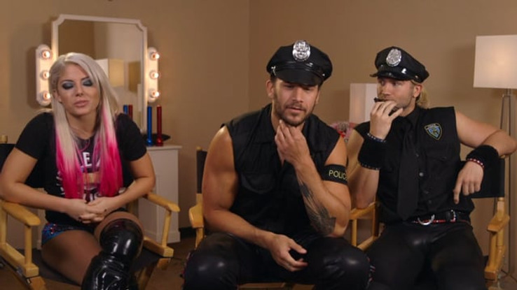 WWE + DOMINOS - BEHIND THE SCENES