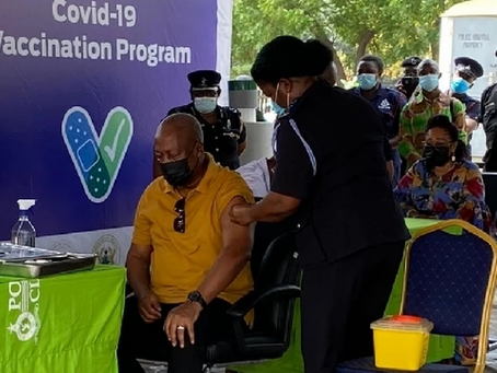John Mahama And Wife Takes Covid-19 Vaccination Injection (Pictures)