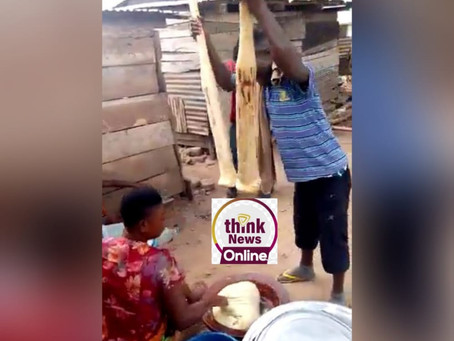 WATCH: Young Man Pounds 'Fufu' With 2 Pestles Simultaneously At Nkoranza (Video + Pictures)