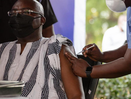 Veep Dr. Bawumia, And Wife, Samira Bawumia Takes Covid-19 Vaccination Injection (Video/Pics)