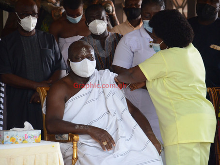 Asantehene And Wife Takes COVID-19 Vaccine (Pictures)