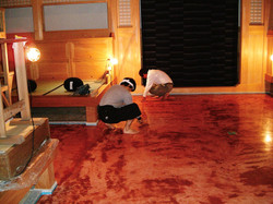 座禅堂の床施工中