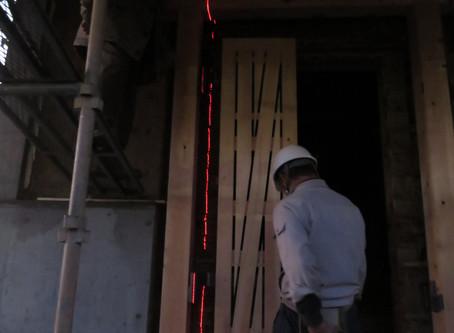 新しい土蔵の扉