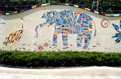 動物園入口壁画