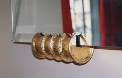 細かい装飾金物