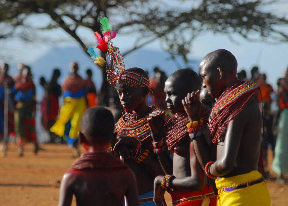 Mgeni Safaris_Samburu kinderen.jpg
