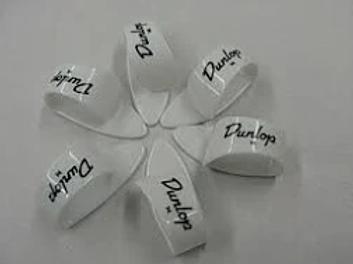 00575 9002R Thumb Pick  WHITE