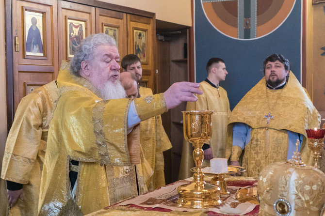 12 февраля в Успенском семинарском храме совершено архиерейское богослужение на греческом языке