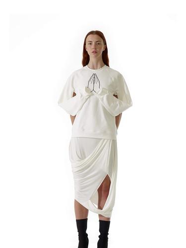 hope_sweater_missing_skirt_white_front.j