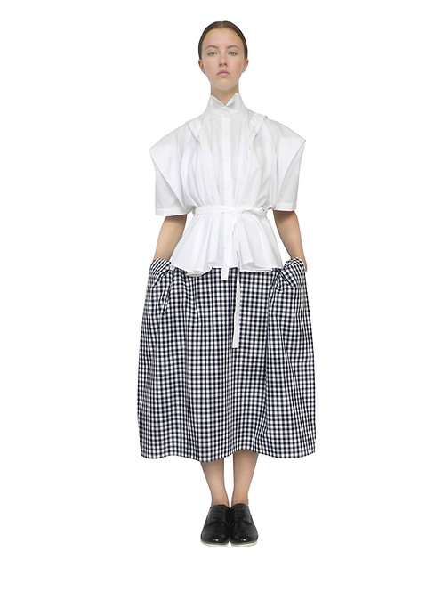 Edgy Chic Beautiful Flattering Avant Garde Stylish Front View Check Pattern Loose Baggy Comfortable Outfit