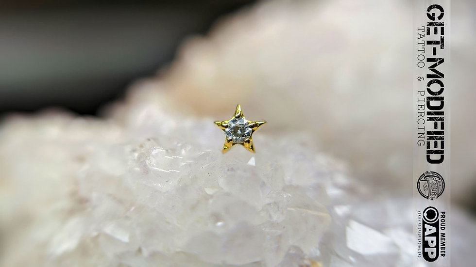 Classic 18ct Gold CZ Star Cubic Zirconia