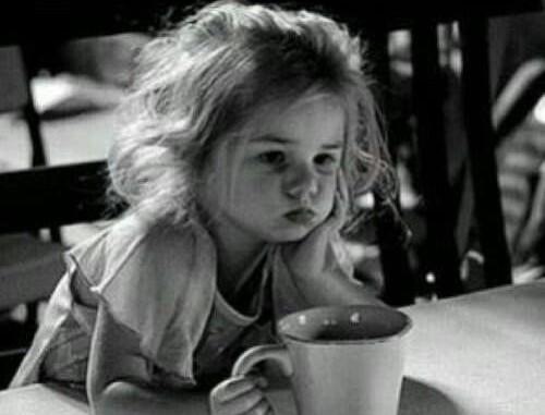 Enfant, on m'a fait croire que mes nerfs lâchaient, j'ai dû me taire alors que mon âme parlait.