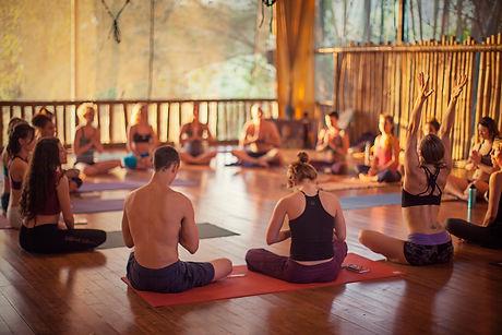 bamboo-yoga-play-studio-dominical-costa-