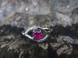Bague Or gris rhodié-Rubis-Diamants
