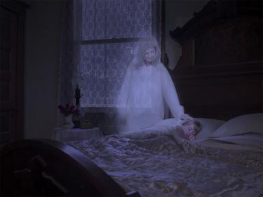 Spontaneous Sightings of a Mother's Spectral Figure