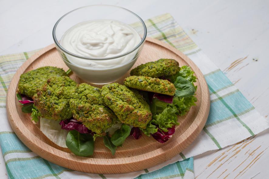 Receitas da Helena - Taamia- Falafel Egípcio de Fava Verde com Pimenta Taameya.