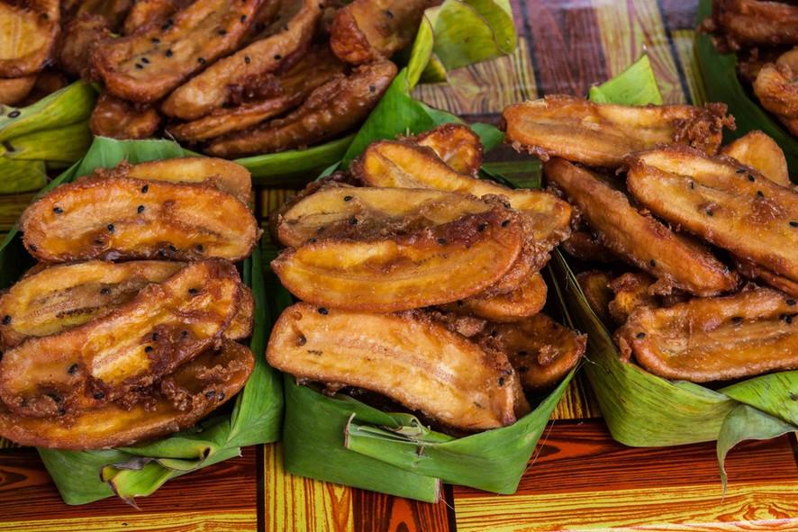 Receitas da Helena - Banana da Terra Moqueada na Folha de Bananeira, com Canela