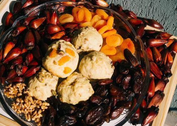 Receitas da Helena - Pão de Pinhão com Damasco e Tâmaras (Scones)