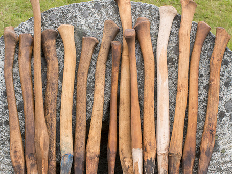 Axe handles for collared Finnish axes