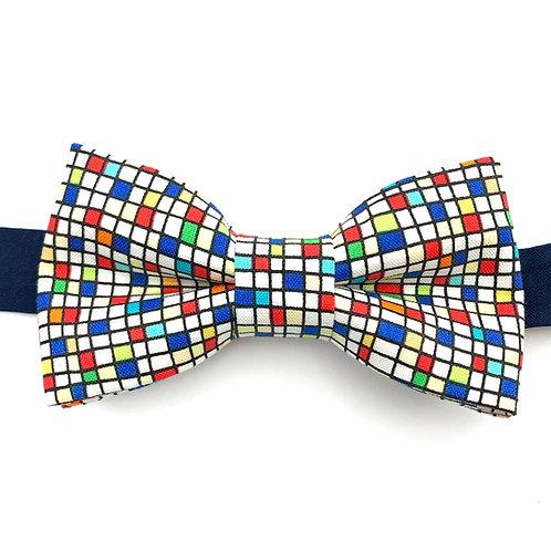 Noeud papillon aux motifs évoquant Mondrian