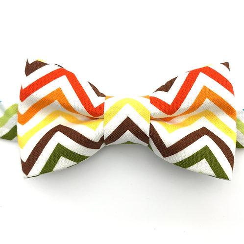Noeud papillon aux motifs de bandes triangulaires multicolors A