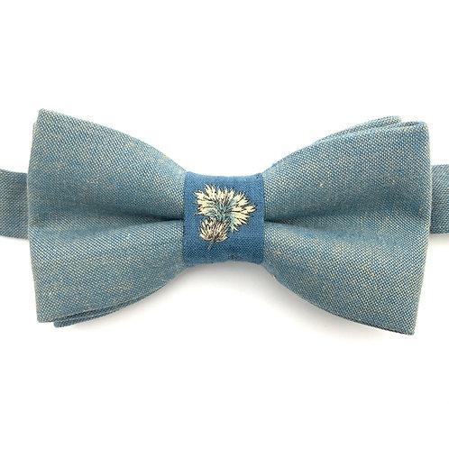 Noeud papillon bleu avec noeud au motif de chardon