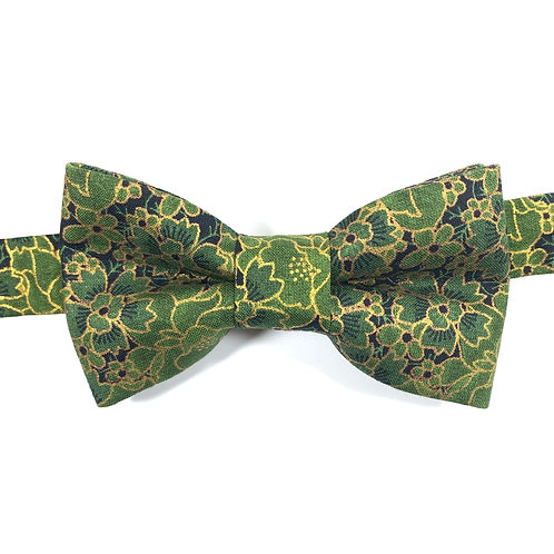 Noeud papillon vert aux motifs florals ors.