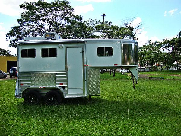 trailer-2-cavalos-brasil-trailer.jpg