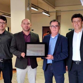 Usiminas recebe prêmio por boas práticas ambientais