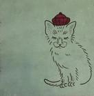 Katzr mit Kappe