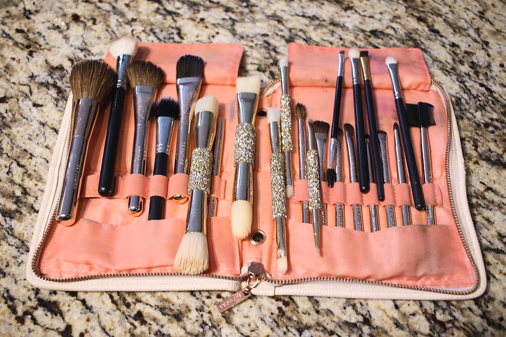 My Trick to Deep Cleaning My Makeup Brushes