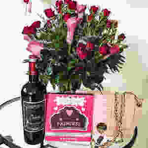 Flirtatiously In Love this Valentines