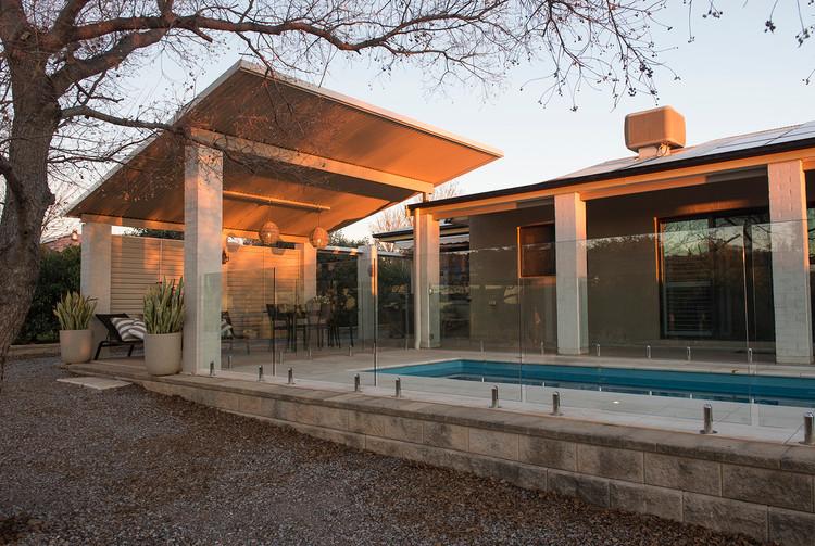 Browns Lane Residence, Pool House