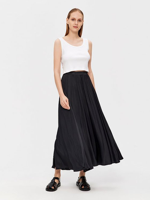 Black Satin Skirt, Parthenis