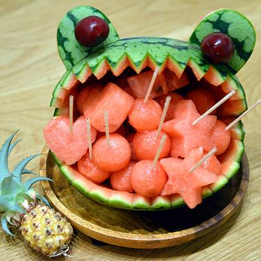 Watermelon / スイカのバスケット