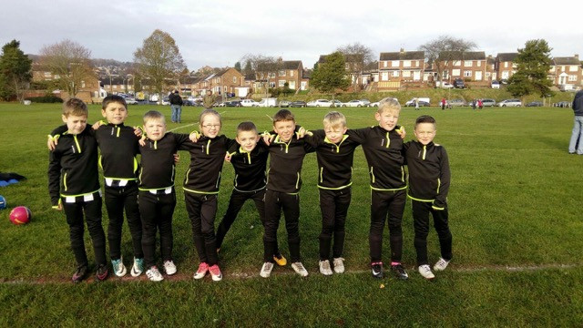 Here's a picture of the team we sponsored for jackets and training kits. Looking very smart thanks to J&C Puppies Ltd