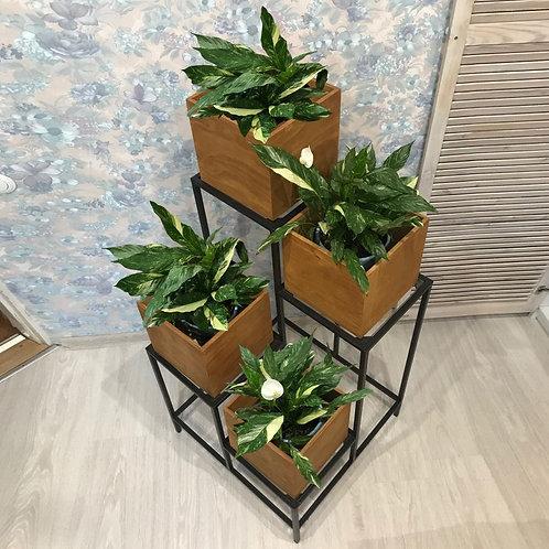 Подставка для цветов с 4-мя полочками