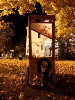 A yard skeleton