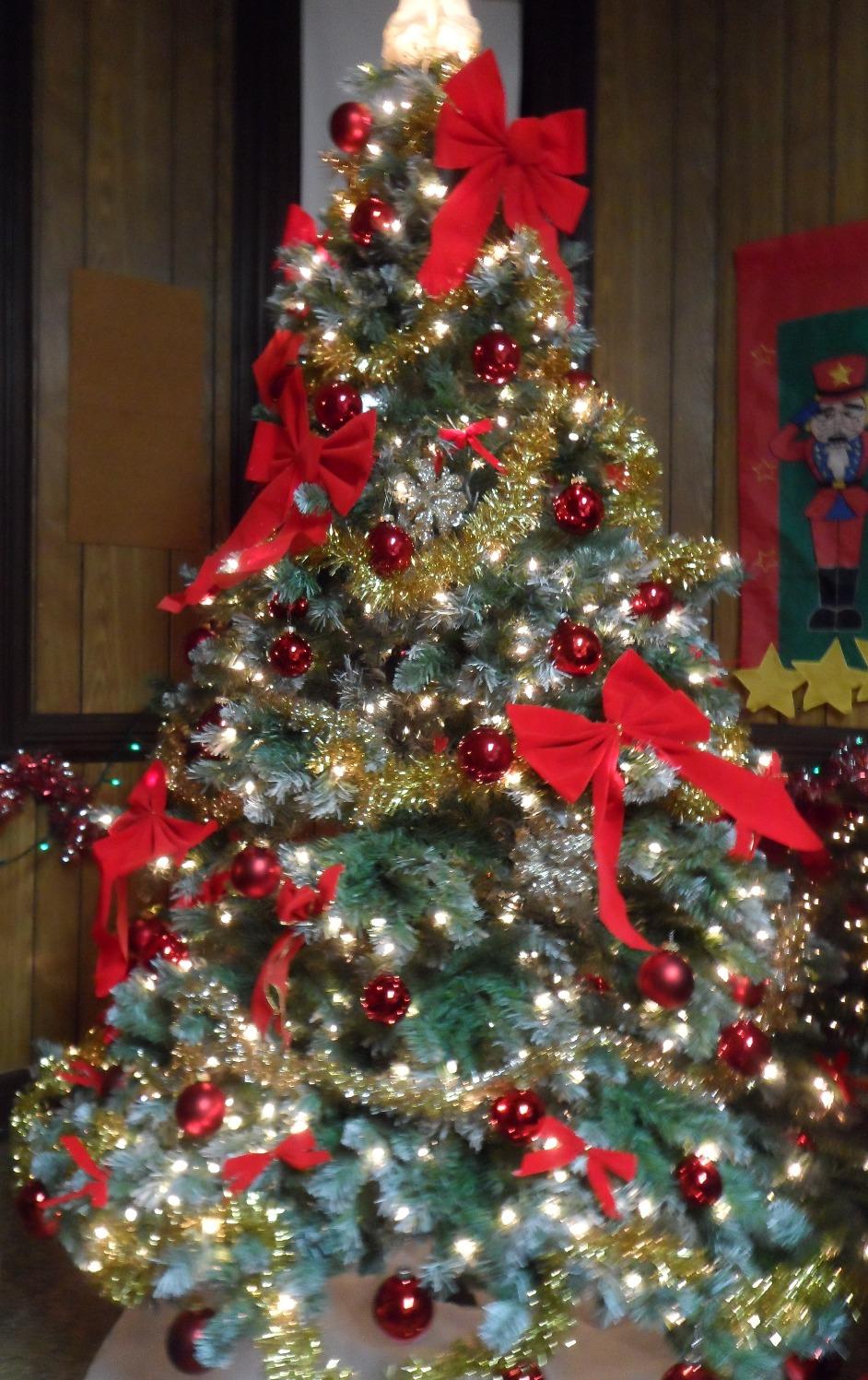 Gift Shop - revolving tree