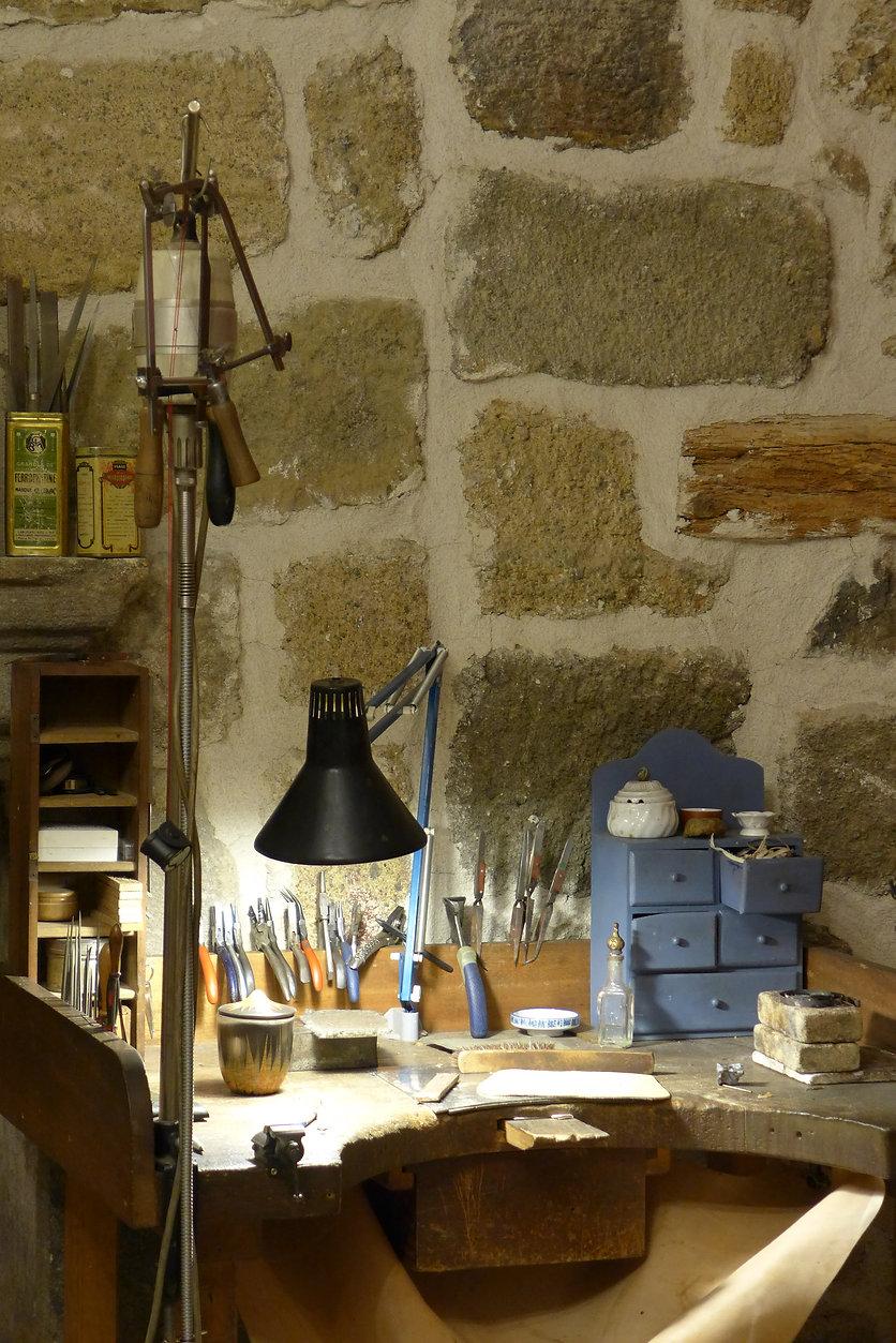 esther farrache, atelier art du Bijou, Langeac, Auvergne, France, artisan Bijotier Créateur, bijouterie d'art, bijou de créateur,