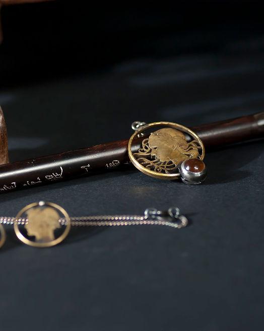 pendentf, monnaie bijou, bijouterie d'art, esther farrache