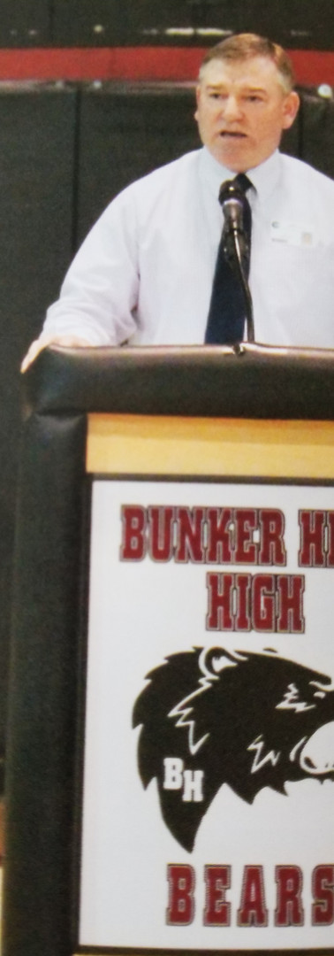 Jeff addresses parents at a Bunker Hill High School orientation