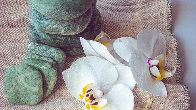 Жадеит для массажа, спа и стоун-терапии на вес [Подробнее >]