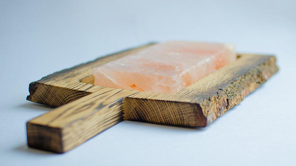 Разделочная доска из дуба с корой светлая + солевая плитка [Подробнее >]